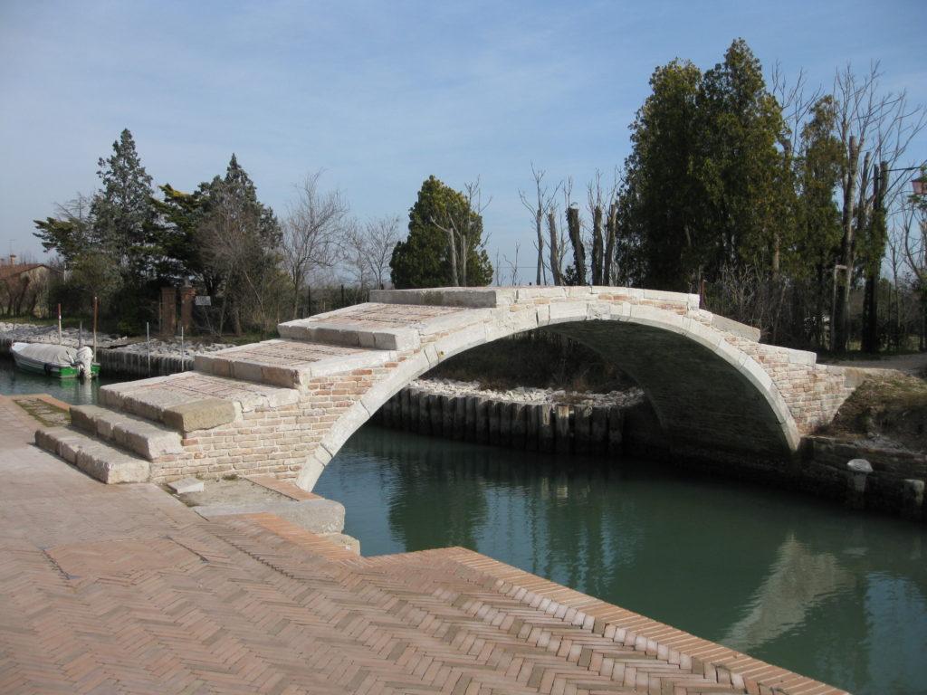 Torcello_-_Ponte_del_diavolo