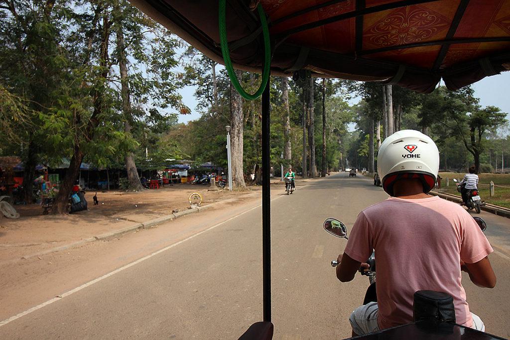 tuktuk-angkor