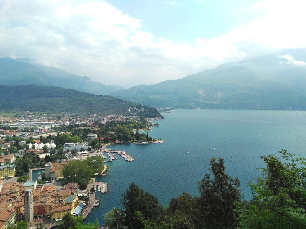 Vista panoramica sul lago dal Bastione di Riva del Garda