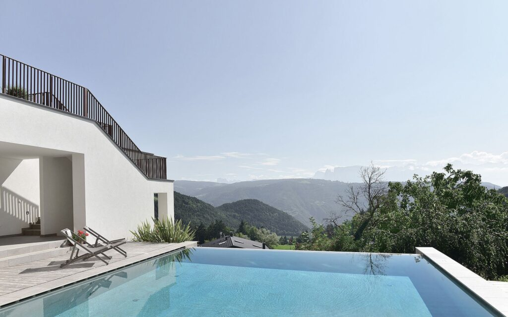 infinity pool alto adige Hotel & Gasthof zum Hirschen