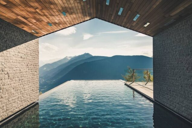 infinity pool in trentino alto adige