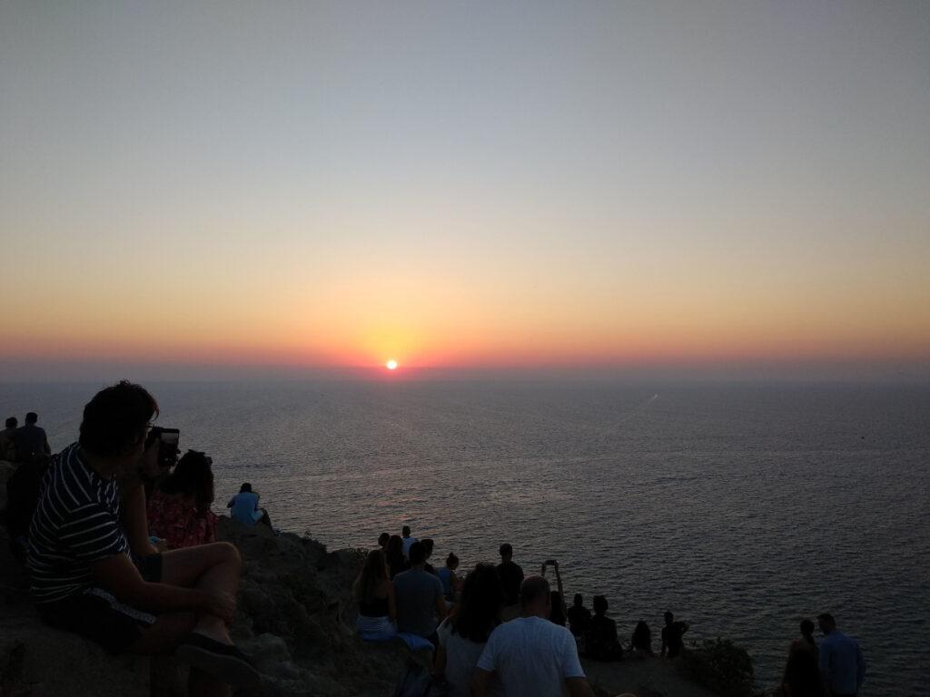 dove vedere il tramonto a santorini akrotiri faro